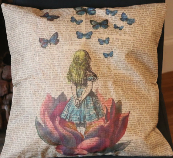 alice-in-wonderland-cushion
